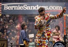 'BAD DECISIONS': Strokes divulga nova música durante showmício para Bernie Sanders – VEJA VÍDEO