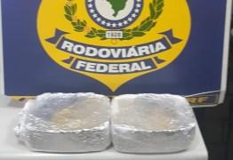 Mulher é presa suspeita de usar filho de 1 mês para traficar drogas, na Paraíba