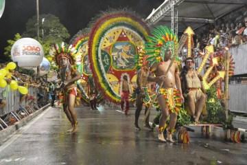 Campeãs do Carnaval Tradição desfilam neste sábado em João Pessoa