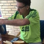 bolsonaro café - CENÁRIO PARA GANHAR VOTOS: Mesas de café da manhã de Bolsonaro eram fakes