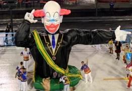 CRÍTICAS E APLAUSOS: Bolsonaro é representado por boneco do palhaço 'Bozo' em desfile no Rio; VEJA VÍDEO