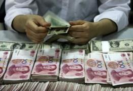 China destrói dinheiro para combater coronavírus