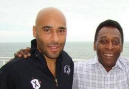 Filho de Pelé diz que pai está abatido por problema de saúde e não quer sair de casa