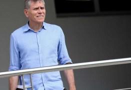 Técnico Paulo Autuori chega ao Botafogo