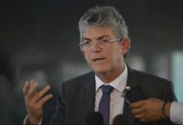 Advogados do ex-governador devem recorrer no tribunais de Brasília contra o uso da tornozeleira eletrônica