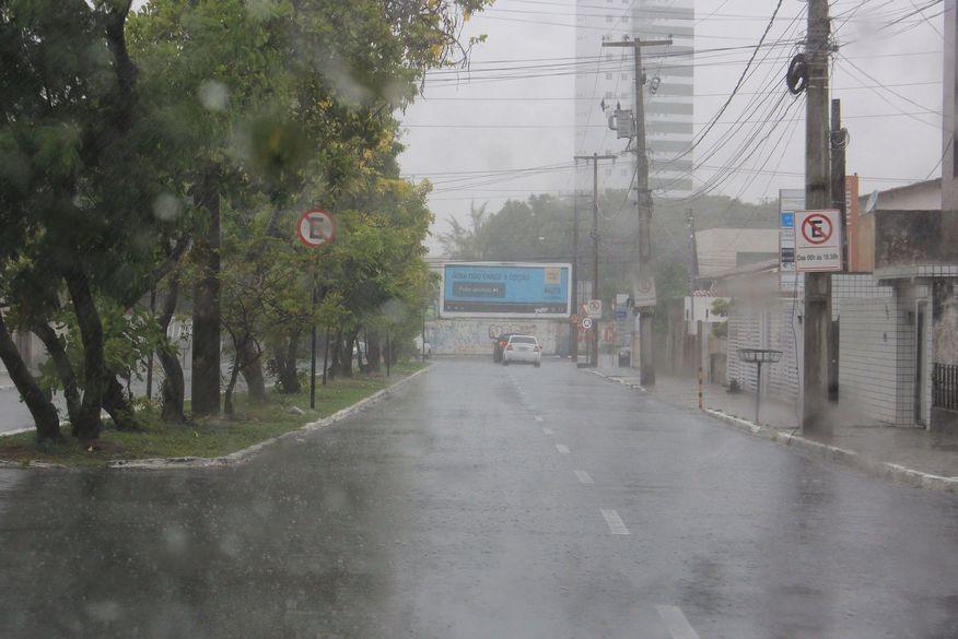 01 chuvas em joao pessoa walla santos - ALERTA DE CHUVA FORTE:temporais devem atingir o Nordeste nos próximos dias