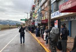 Paraibanos presos no Peru aguardam em frente ao aeroporto por resgate: 'Um único voo levaria todos nós' – VEJA VÍDEOS