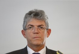 Ricardo Coutinho sobre Bolsonaro: incompatível com a democracia, ele flerta com estado de sítio