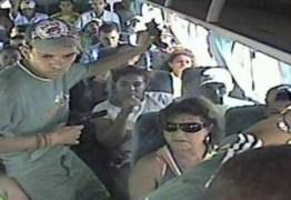 Bandidos fazem arrastão em ônibus nas Três Lagoas, em João Pessoa