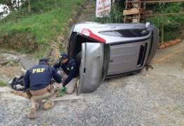 Homem é preso após capotar carro com 100 kg de maconha