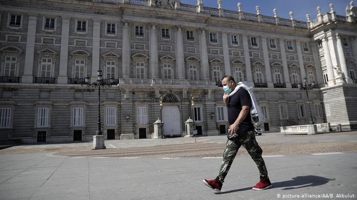 Com sistema de saúde em colapso e ruas vazias, Madri é a cidade mais afetada pelo coronavírus na Espanha