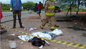 Acidente BR 230 São Gonçalo foto 3 300x171 - TRAGÉDIA: grave acidente na BR 230 em Sousa deixa uma mulher morta e mais dois homens feridos