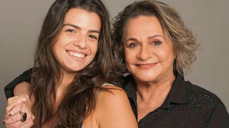 BB10BjcX - Humorista Fafy Siqueira revela namoro com cantora 35 anos mais nova