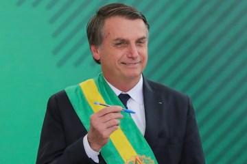 'Tenho um decreto pronto para reabrir o comércio', afirma Bolsonaro