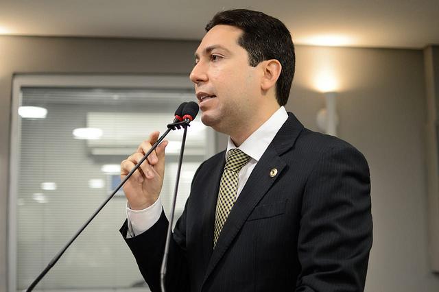 FELIPE LEITAO - Felipe Leitão deve mudar de domicílio eleitoral e de partido para disputar prefeitura