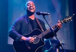 Ex-integrante da banda gospel Preto no Branco detona clipe em defesa de causa LGBT