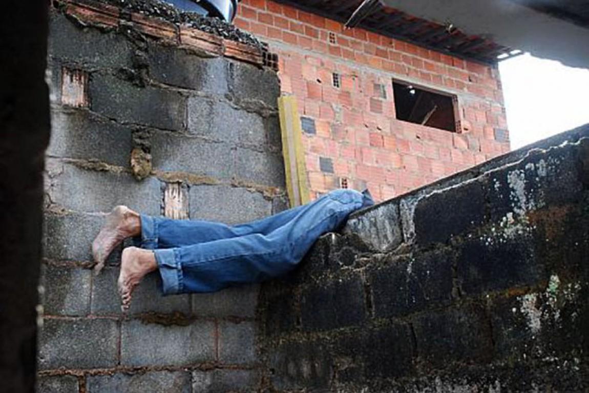 WhatsApp Image 2020 03 02 at 10.40.07 - Casal é preso suspeito de pular muro para furtar residências em Campina Grande