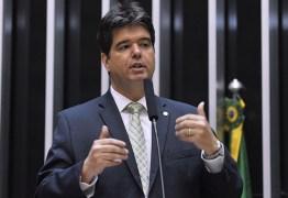 Na luta contra o coronavírus, Ruy propõe reduzir salários de deputados, senadores e parlamentares em todo o Brasil