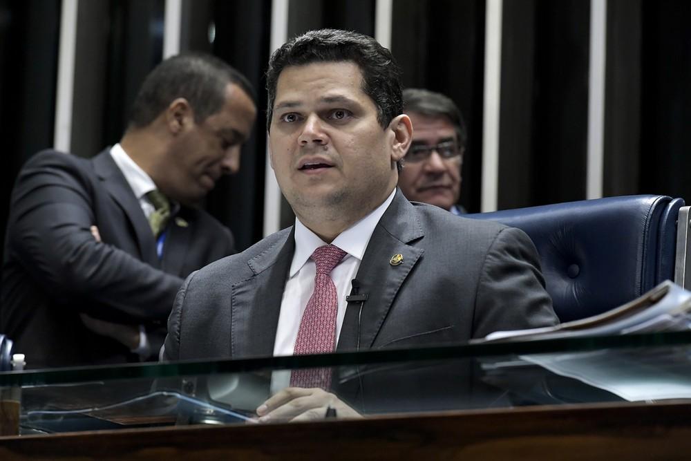 alcolumbre - MAIS DE US$ 170 MILHÕES: Alcolumbre promulga projetos de empréstimos para a Paraíba
