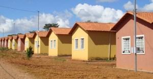 casas populares 300x155 - João Azevêdo sanciona lei para construir casas destinadas a pessoas de baixa renda
