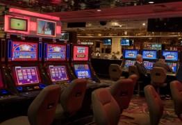 INDÚSTRIA DO JOGO: Governador de Nevada manda fechar cassinos de Las Vegas por 1 mês