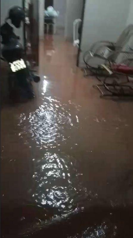 download 9 - Forte chuva alaga ruas e invade residências em Catolé do Rocha - VEJA VÍDEO