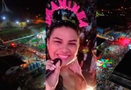 Cantora de forró morre atingida por bala perdida durante show