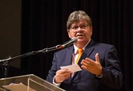 João Azevedo participa do lançamento de programação do mês da mulher no governo estadual