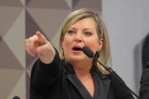 joice hasselmann da depoimento a cpmi das fake news 1575494157164 v2 1920x1280 300x200 - Joice Hasselmann denuncia no TCU gastos de Bolsonaro com cartão corporativo