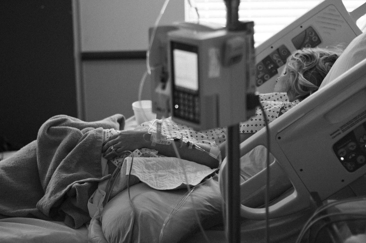 paciente internada - PLANO NÃO APROVA EXAMES? Médicos relatam que golpistas estão ligando para família de pacientes para fazer cobranças indevidas