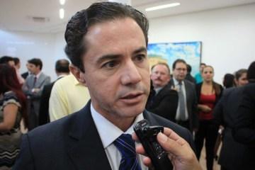 """vene nova 768x513 1 - """"Ele afronta, mais uma vez, a iniciativa dos governadores"""", diz Veneziano sobre postura de Bolsonaro"""