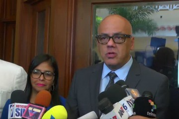 2017 12 01t232717z 1 lva0037a33arn rtrwnev e 5197 venezuela politics talks - Venezuela decreta estado de sítio na fronteira com a Colômbia