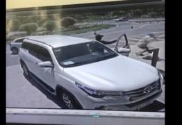 BALEADO POR BANDIDOS: câmera de segurança flagra momento que advogado Levi Borges é assassinado – VEJA VÍDEO