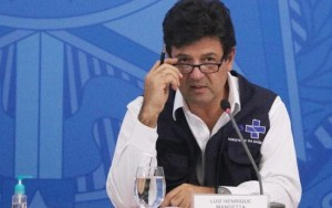 MANDETTA futura press folhapress 300x188 - Ex-ministros Mandetta e Teich depõem hoje na CPI da Pandemia