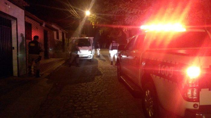 Operação em CG 3 e1525440374235 - Polícia prende dupla suspeita de violar casa e fábrica de calçados em Campina Grande
