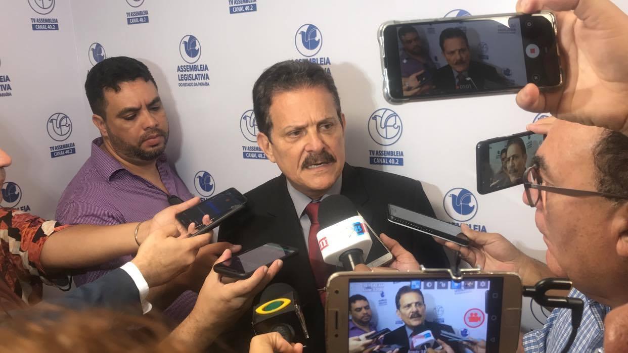 """TIÃO GOMES - Deputado Tião Gomes critica reabertura do comércio em Areia: """"o empresário prefeito só pensa em lucro"""""""