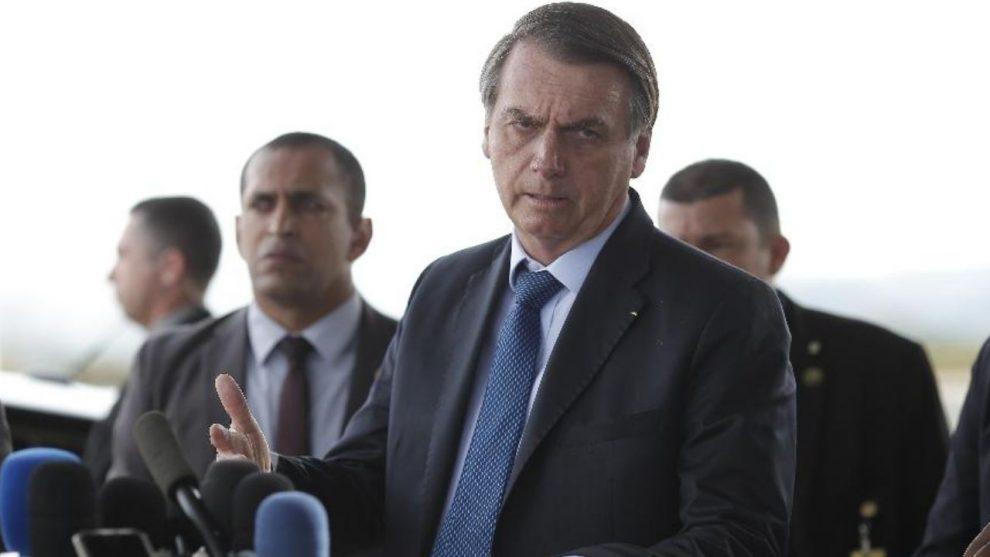 TRLA 29 990x557 1 - Bolsonaro se recusa a ampliar duração do coronavaucher