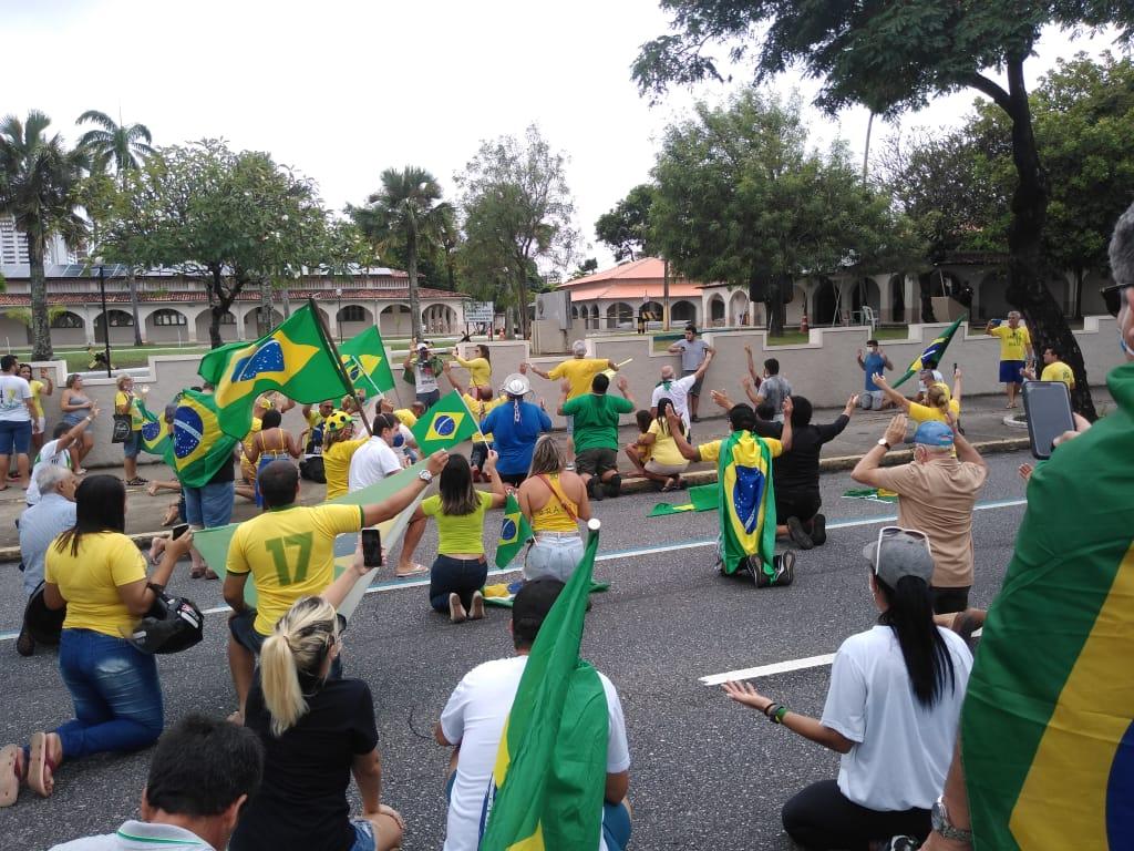 WhatsApp Image 2020 04 19 at 13.28.15 - Apoiadores de Bolsonaro fazem ato em JP e PM impede realização de carreata; VEJA VÍDEOS