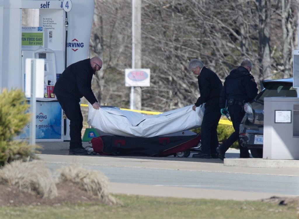 ap20110687079231 1024x751 - Ataques a tiros deixam ao menos 17 mortos no Canadá