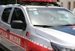 Homem é detido após usar caixa de som para xingar vizinhos, em Campina Grande