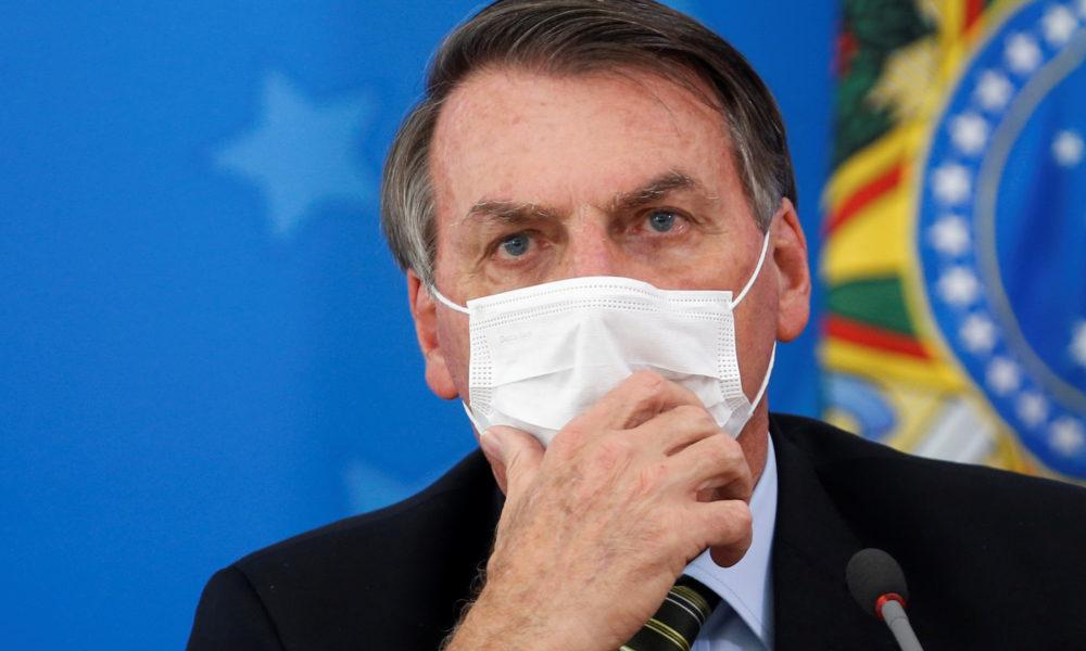 bolsonaro mascara 1000x600 1 - 'USO NOMES FANTASIA': À rádio, Bolsonaro diz que pode ter pegado a Covid-19