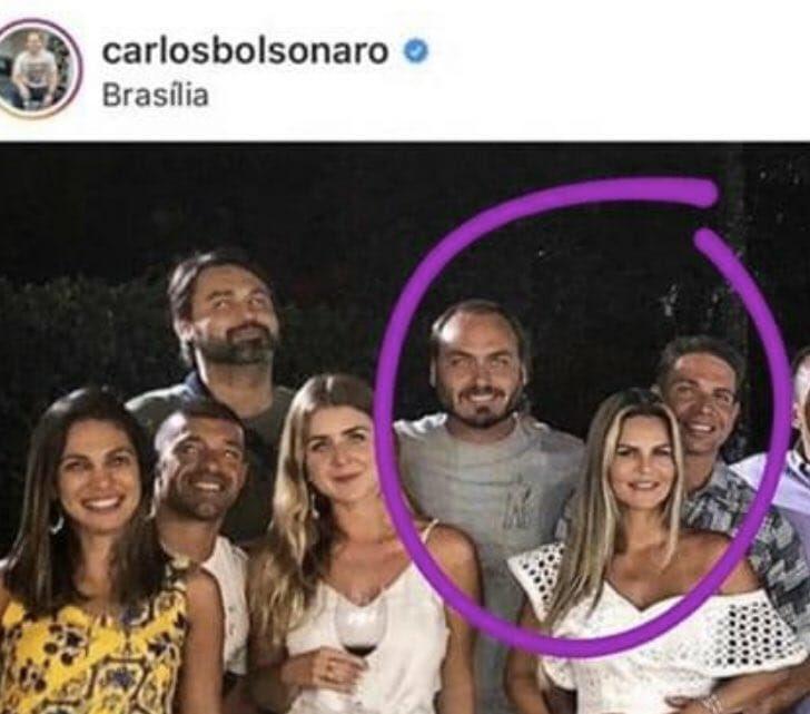 carlos bolsonaro - Senador compartilha foto de Carlos Bolsonaro com novo diretor da PF em festa de ano novo