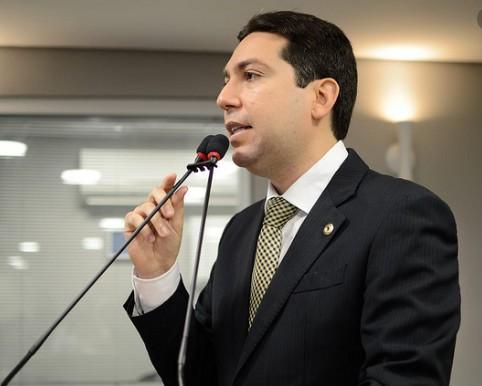 felipe - Projeto de lei de Felipe Leitão, que garante segurança alimentar para alunos de escola pública, é aprovado durante sessão remota da ALPB