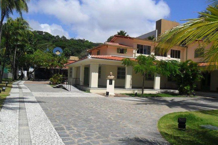 fundacao casa de jose americo - CRIME: Fundação Casa de José Américo é arrombada e medalhas de ex-governadores são levadas