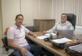 OPOSIÇÃO UNIDA: Léo Bandeira e ex-prefeito Bolão se unem para disputar Eleições 2020 em Lucena