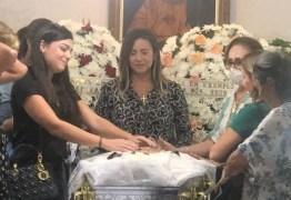O ÚLTIMO ADEUS: na presença de parentes e amigos, corpo do advogado Levi Borges é cremado em Cabedelo