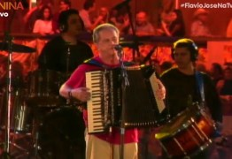 FIQUE EM CASA COM FLÁVIO JOSÉ: acompanhe o show ao vivo