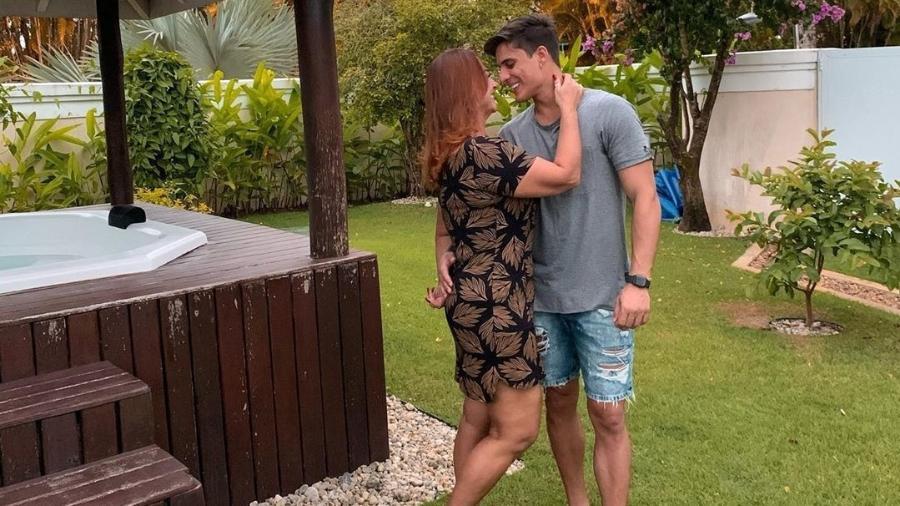 nadine goncalves - Paraibano da cidade de Monteiro, Tiago Ramos assume namoro com a mãe de Neymar, Nadine Gonçalves