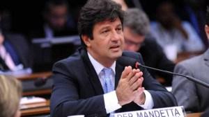 naom 5bf46d7e82213 300x169 - Brasileiro não sabe se escuta o ministro ou o presidente, diz Mandetta