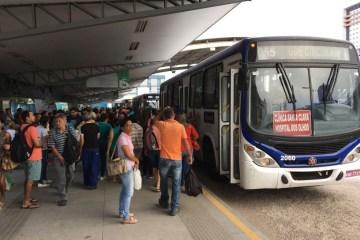 onibus campina grande - Campina Grande mantém 30% da frota de ônibus em operação com paralisação na tarde de sábado e no domingo